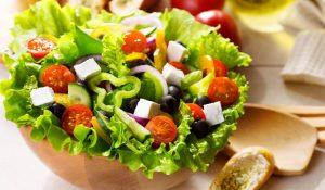 Chị em văn phòng xôn xao cách làm salad trộn dầu giấm giảm mỡ bụng