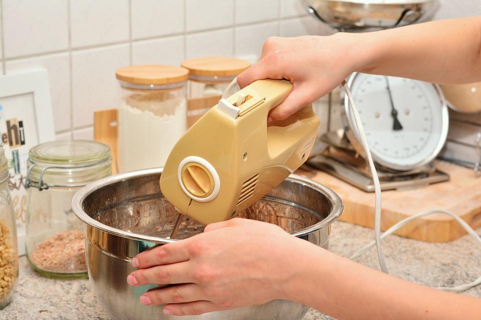 đánh trưng làm bánh