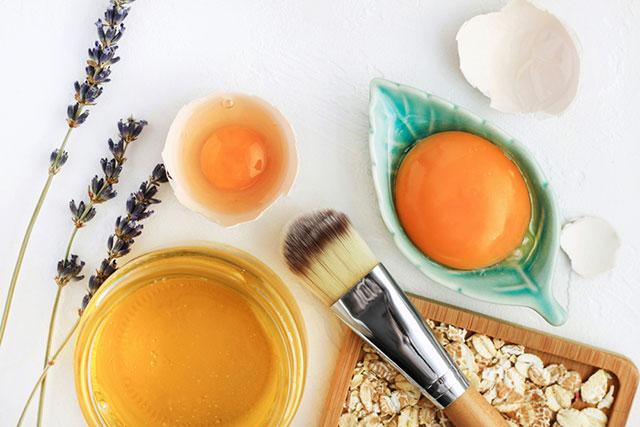 Trứng gà ngâm mật ong chữa dạ dày