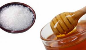 Mật ong và muối có tác dụng gì