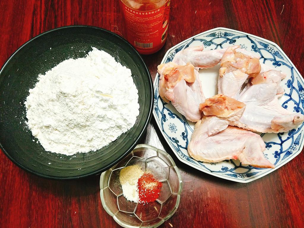 Ướp gà và tạo lớp vỏ ngoài cho thịt gà